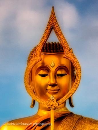 Face of buddha statue Wat Sapum Thammaram