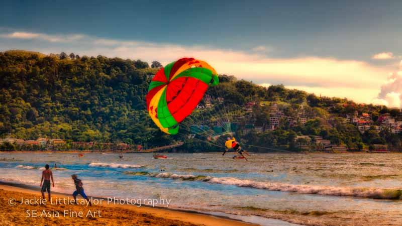 parasailor Patong Beach 16x9