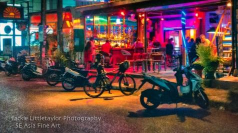 funat night ATM Bar
