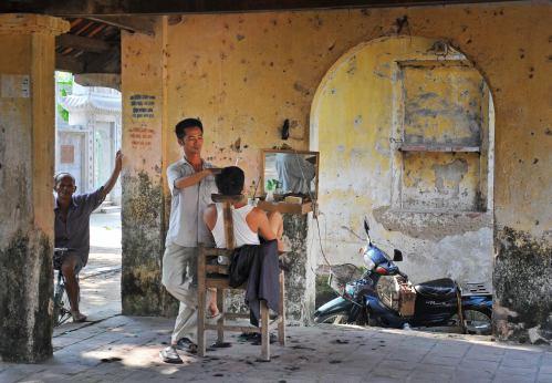 Thợ cạo....Barber Vu Ngoc