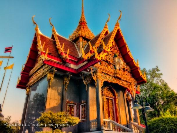 Wat Ladthiwanaram sunset small temple #4