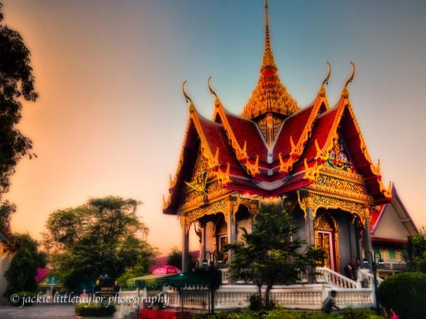 Wat Ladthiwanaram sunset small temple #5
