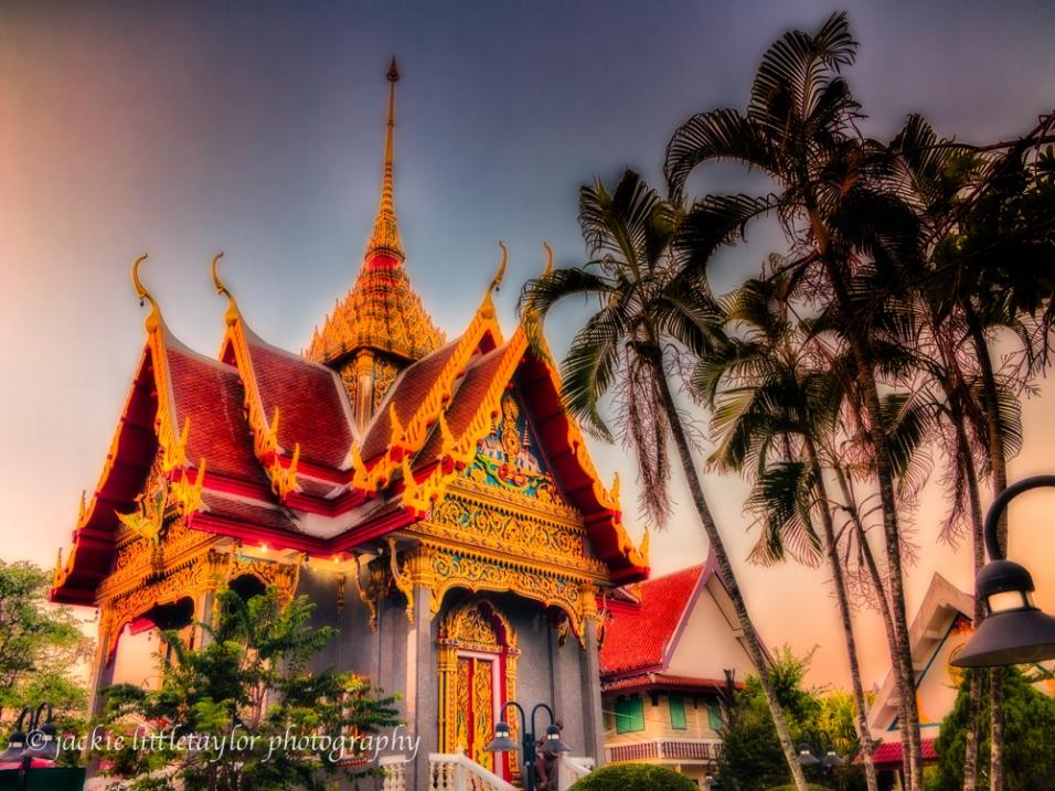 Wat Ladthiwanaram sunset small temple Coconut trees