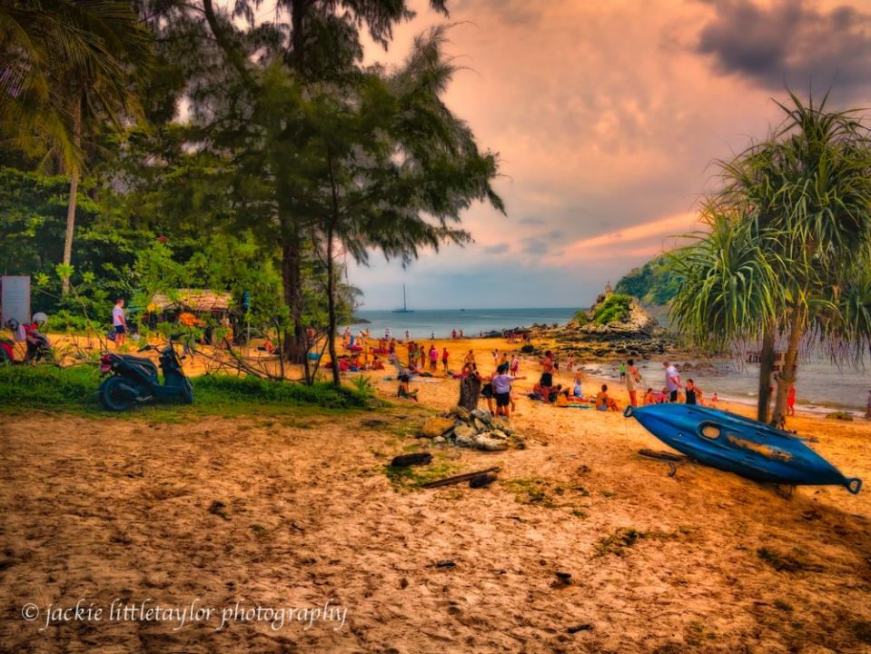Ya Nui Beach people evening