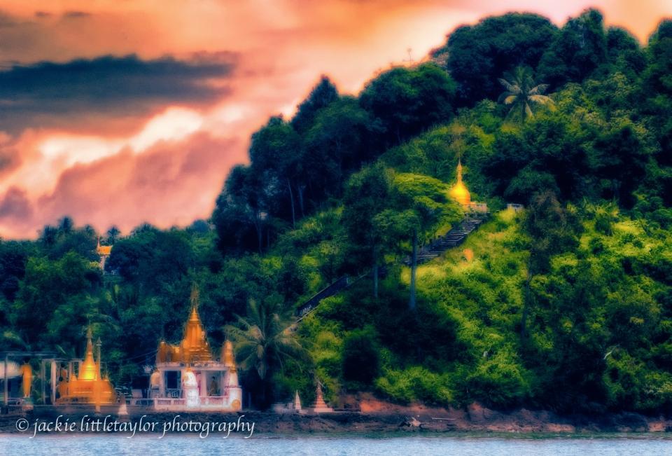 Buddhist shrines malacca straights Burma Thailand impression sun