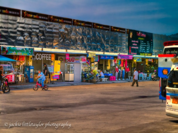 Phuket Bus station shops and food impression