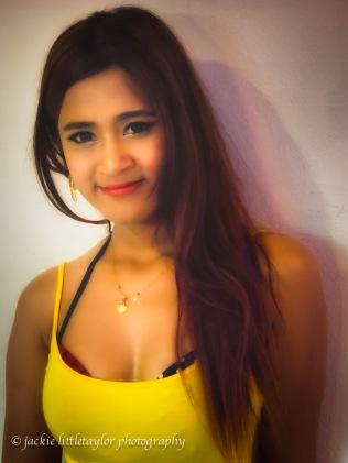 gogo dancer yellow top impression