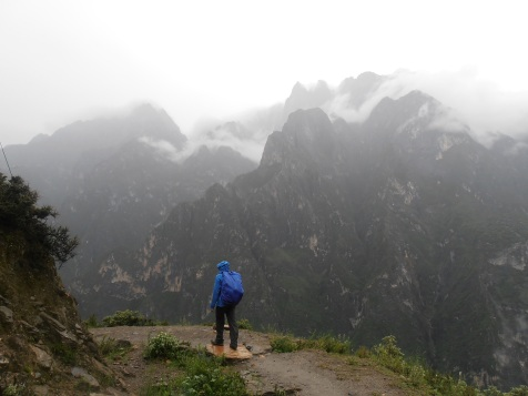 Walking Tiger Leaping Gorge in the Rain