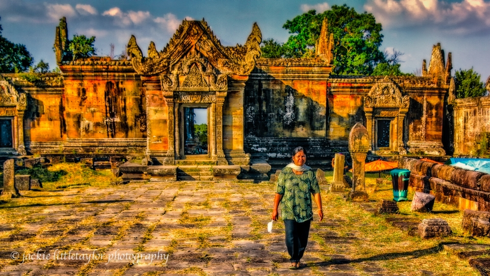 enjoying Preah Vihear impression 16x9