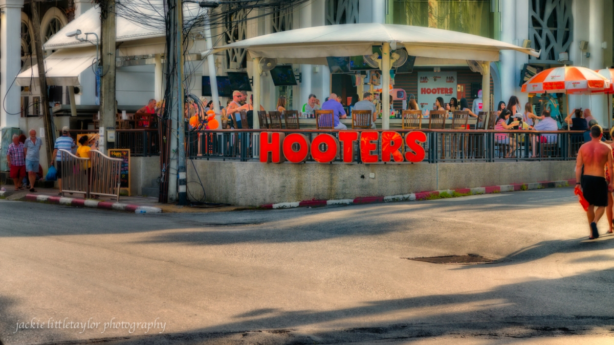 Hooter's  Phuket Patong Thailand review by jackie