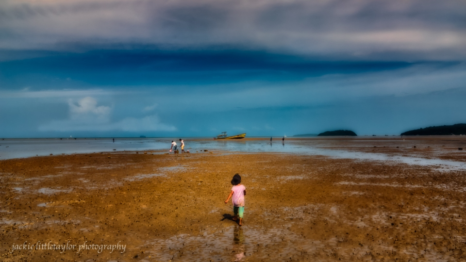 follow me Saphin Hin Mud flats