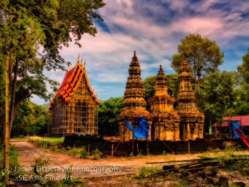Prasat ban Prasat and Wat Issan Thailand Impression