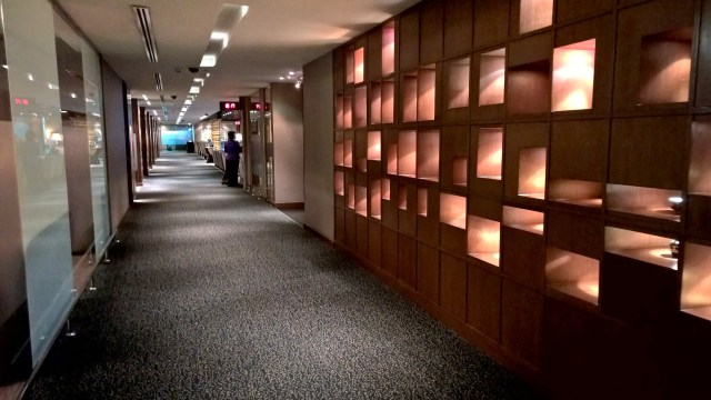 Thai Royal First Lounge Bangkok D Aisle