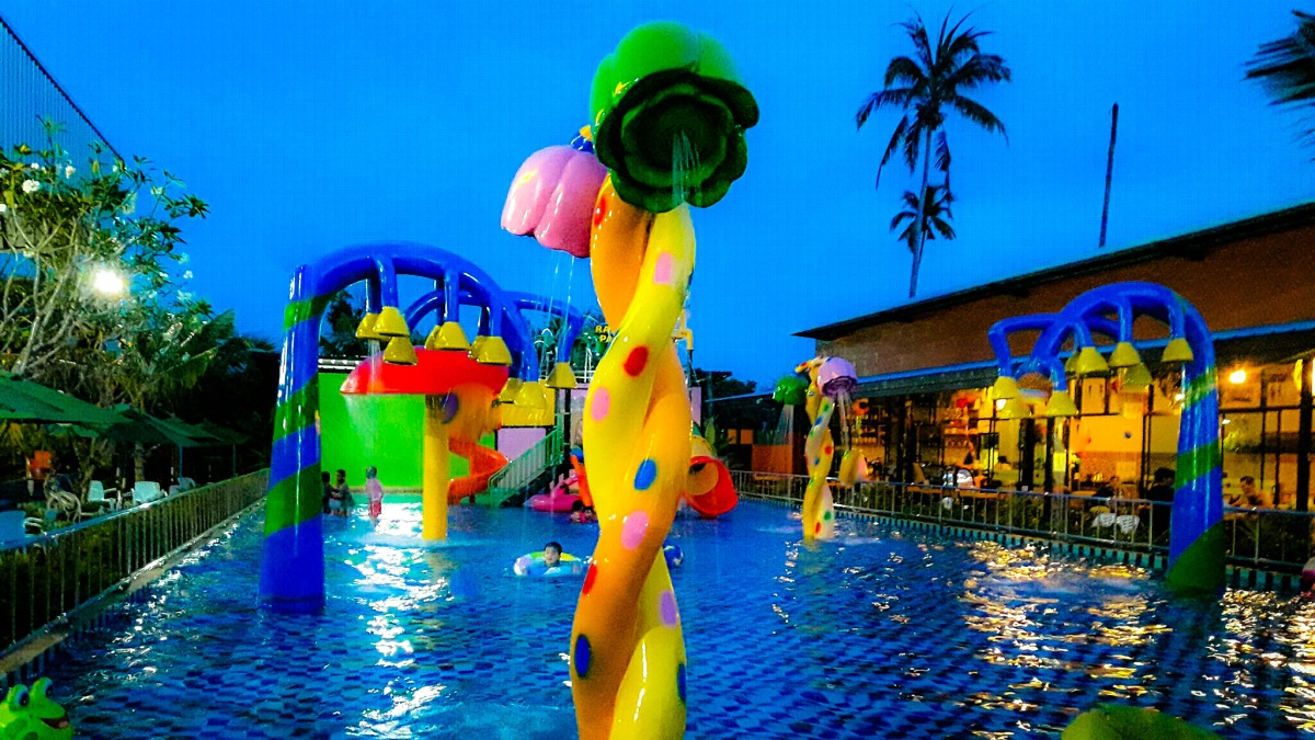 Rawai Water Park by jackie